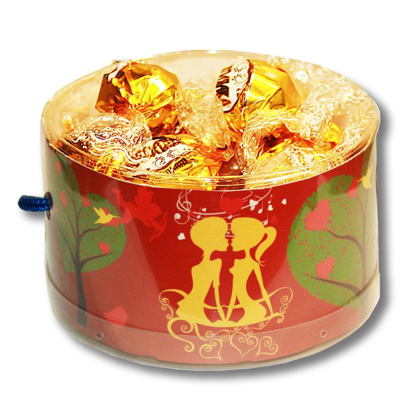"""Тубус  """"Любовь"""" с конфетами"""