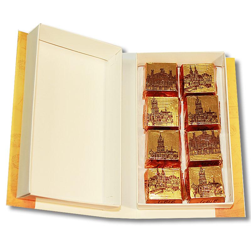 Коробка-Книга «Львов Колаж» с конфетами